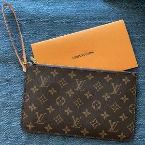 Louis Vuitton Monogram Neverfull Clutch